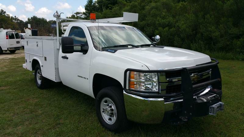 2009 CHEVROLET 2500HD SERVICE TRUCK 2DR REG CAB SERVICE BODY white do you need a truck that will