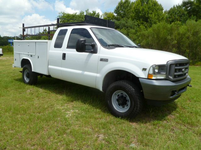 2004 FORD F-350 SUPER DUTY 4WD EXT SERVICE BODY white this truck is a rare find extended cab 4wd