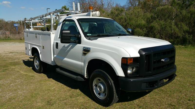 2009 FORD F350 4X4 SERVICE TRUCK 2DR SERVICE BODY white are you looking for a truck that will wor