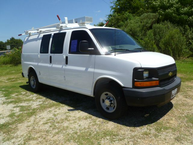 2008 CHEVROLET 2500 EXPRESS CARGO 3DR white if you like to be organized this is the van for you