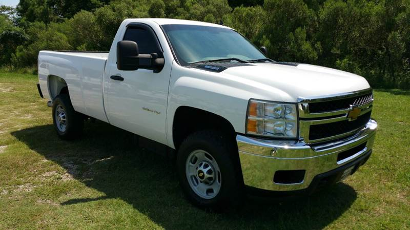 2012 CHEVROLET SILVERADO 2500HD 4X2 2DR REGULAR CAB LB white this is one tough truck that is ext