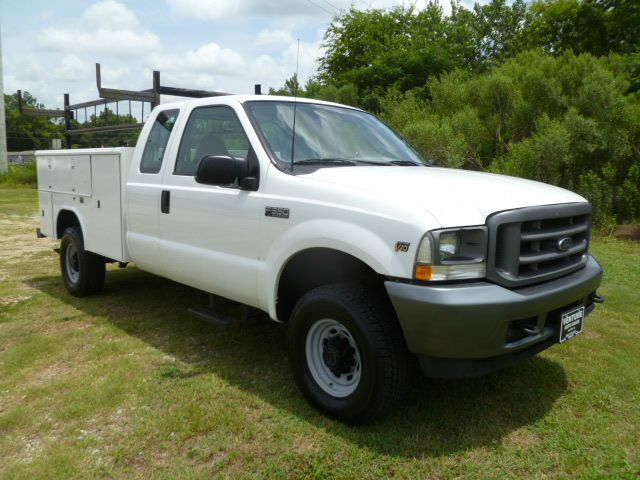 2003 FORD F350 XL EXTENDED SERVICE SD 4DR 4X4 white this truck is a hard to find model f350 4x4