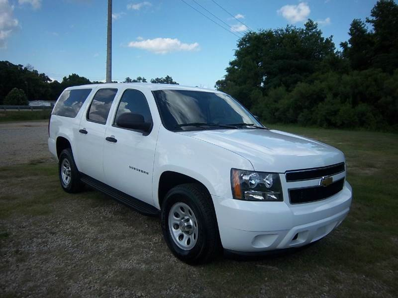 2013 CHEVROLET SUBURBAN 1500 4X4 4DR SUV white this is a suburban that has been a fleet preowned