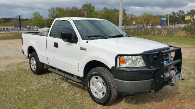 2008 FORD F-150 XL 4X4 2DR REGULAR CAB STYLESIDE white if you need a truck to do off road work o