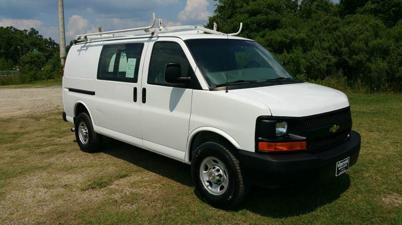 2008 CHEVROLET 3500 EXPRESS CARGO 3DR EXPRESS CARGO VAN white extremely low miles for a 2008 van