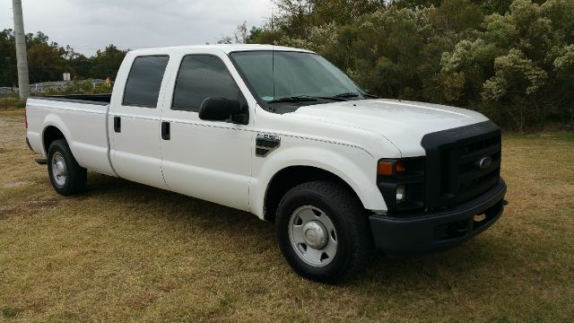 2008 FORD F-250 SUPER DUTY XL 4DR CREW CAB LB white crew cab with a power pack thats a real nice