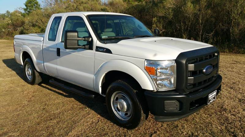 2013 FORD F-250 SUPER DUTY XL 4X2 4DR SUPERCAB 68 FT SB P white exceptionally nice f250 xl sd s