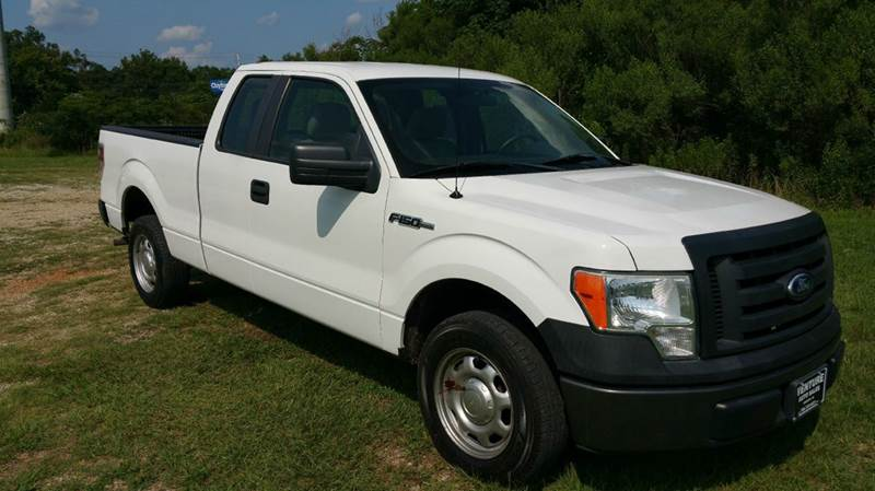 2010 FORD F-150 XL 4X2 4DR SUPERCAB STYLESIDE 6 white this truck is 5 years old but it looks