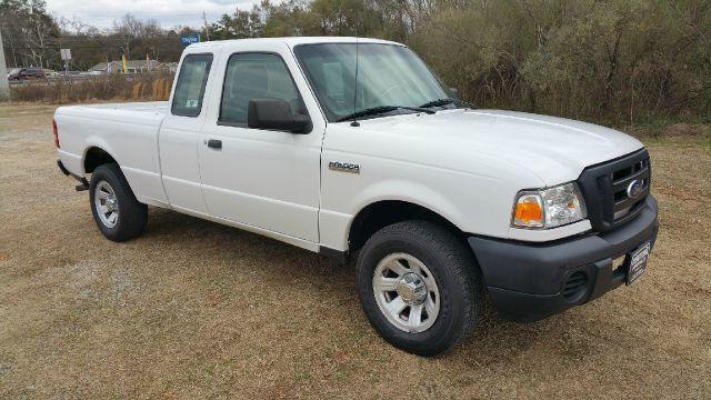 2010 FORD RANGER XL 4X2 2DR SUPERCAB SB white extended cab gives you a lot more storage space th