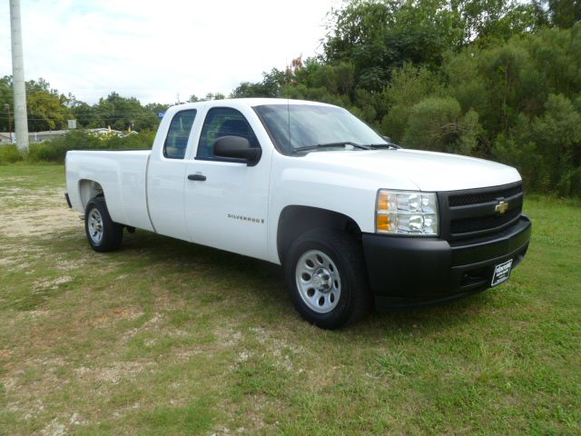 2007 CHEVROLET SILVERADO 1500 4DR EXTENDED LONG BED white this truck is an extended cab long bed w