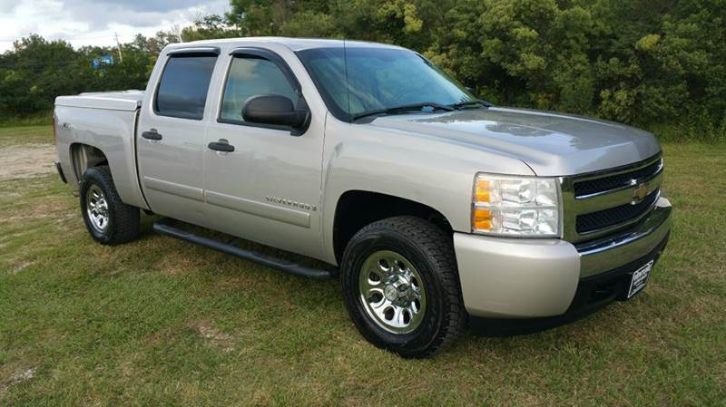 2007 CHEVROLET SILVERADO 1500 LT1 4DR CREW CAB 4WD 58 FT SB silver you gotta see this truck to