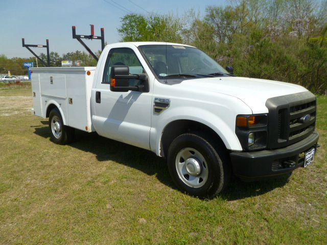 2008 FORD F250 SERVICE TRUCK XL 2WD white omaha service body with flip tops  a one locking system