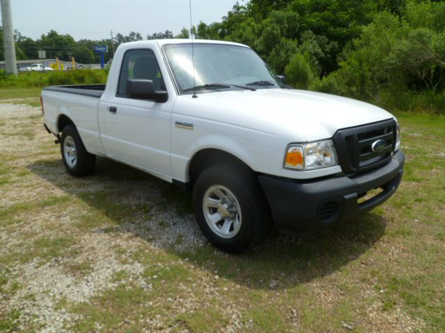 2011 FORD RANGER XL 4X2 2DR REGULAR CAB SB white one owner fleet lease truck that has been very we