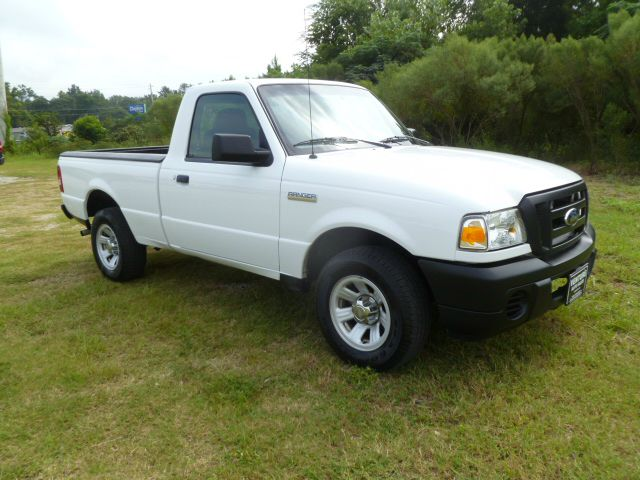 2009 FORD RANGER XL 2WD white 4cyl regular cab gets great gas mileage one owner fleet truck that