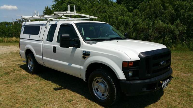 2010 FORD F-350 SUPER DUTY XL 4X2 4DR SUPERCAB 68 FT SB S white this truck was built to work ha