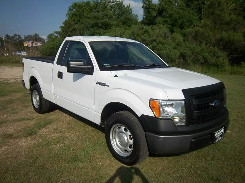 2014 FORD F-150 XL 4X2 2DR REGULAR CAB STYLESIDE white this truck looks like new without the new
