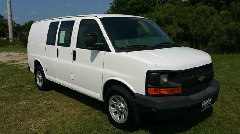 2009 CHEVROLET EXPRESS 3 DR CARGO VAN white great cargo freight hauling van empty inside for p