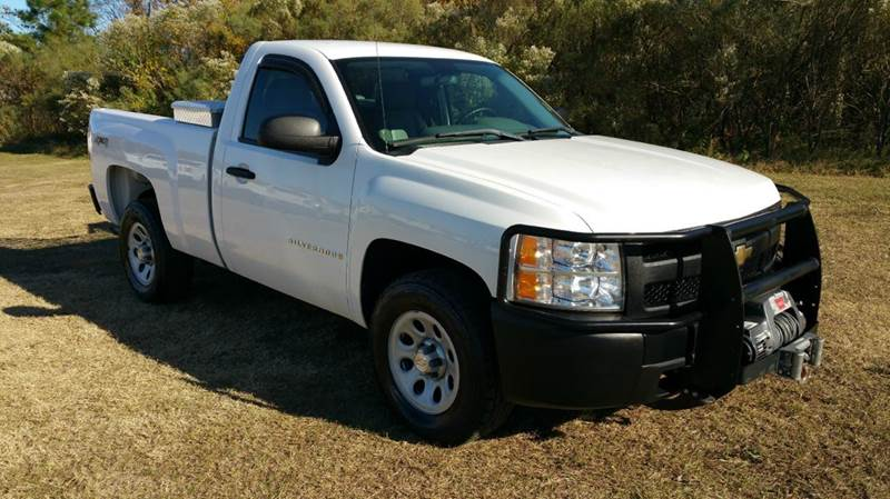 2009 CHEVROLET SILVERADO 1500 4X4 2DR REGULAR CAB 65 FT SB white super clean regular cab shor