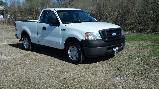 2008 FORD F150 XL 2WD SHORT BED white larger 54 v8 gives you more pulling power extra doors giv