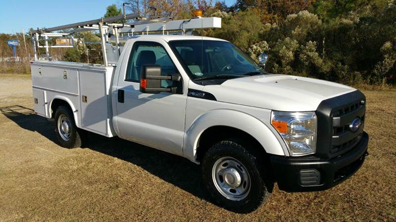 2012 FORD FORD F350 XL SERVICE TRUCK 2DR SERVICE TRUCK white knapheide service body that will ma