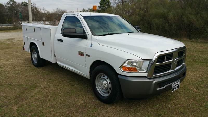 2011 DODGE RAM 2500HD SERVICE TRUCK 2DR LONG BED white looking for a truck that will work as hard