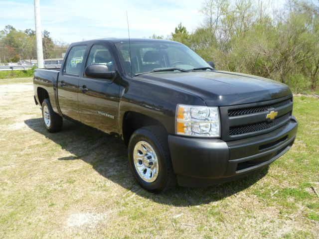 2010 CHEVROLET SILVERADO 1500 CREW CAB 2WD black this truck has got the look extra clean  extra