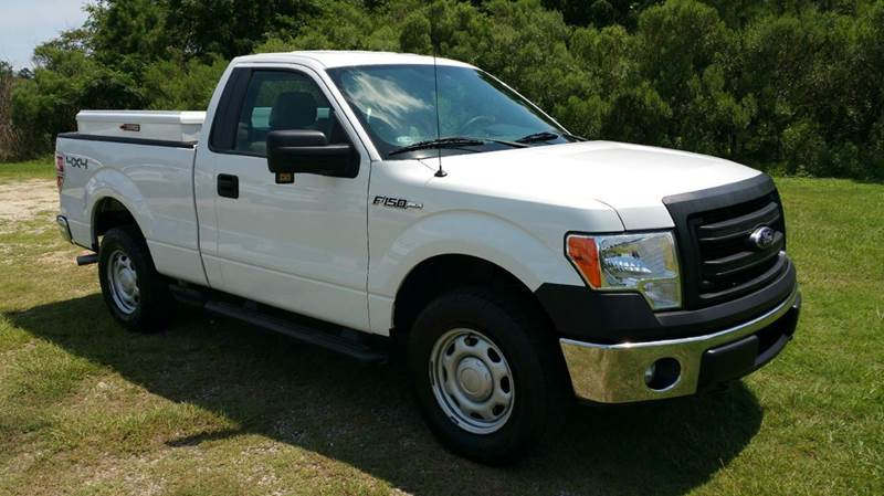 2013 FORD F-150 XL 4X4 2DR REGULAR CAB STYLESIDE white this truck does not look like your average