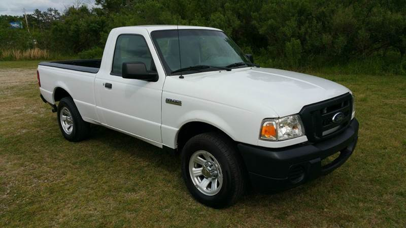 2011 FORD RANGER XL 4X2 2DR REGULAR CAB SB white 23 4cyl that is great on gas with plenty of pow