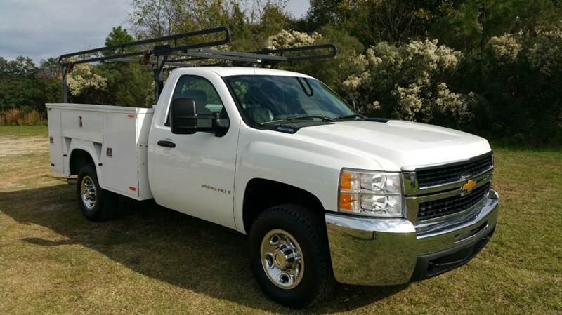 2007 CHEVY 2500 HD SERVICE TRUCK NEW SILVERADO STYLE 2DR white this truck was built to work hard