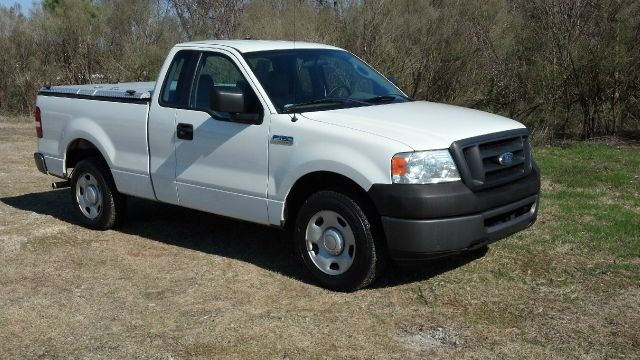 2008 FORD F150 XL 2WD SHORT BED white extra clean  very well maintained one owner fleet vehicle