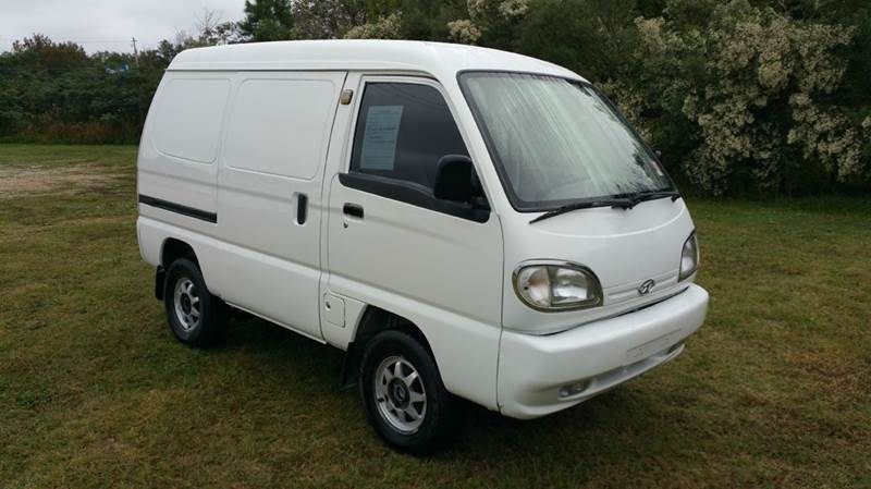2005 VANTAGE VANGO CMXI MINI CARGO VAN 4DR white this is the cutest little van you have ever see