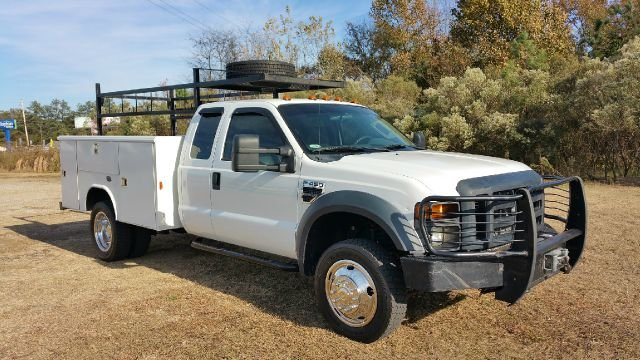 2009 FORD F-450 SUPER CAB SERVICE TRUCK 4DR SUPER CAB 4X4 white if you need a large work truck th