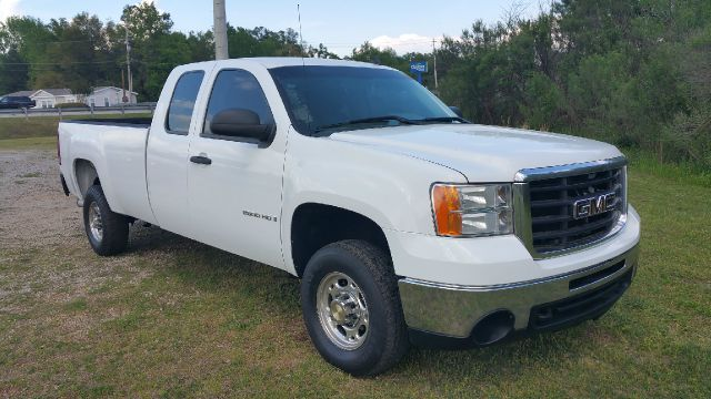 2008 GMC SIERRA 2500HD SLE 2WD 4DR EXTENDED CAB LB white this is a workhorse truck 66 duramax