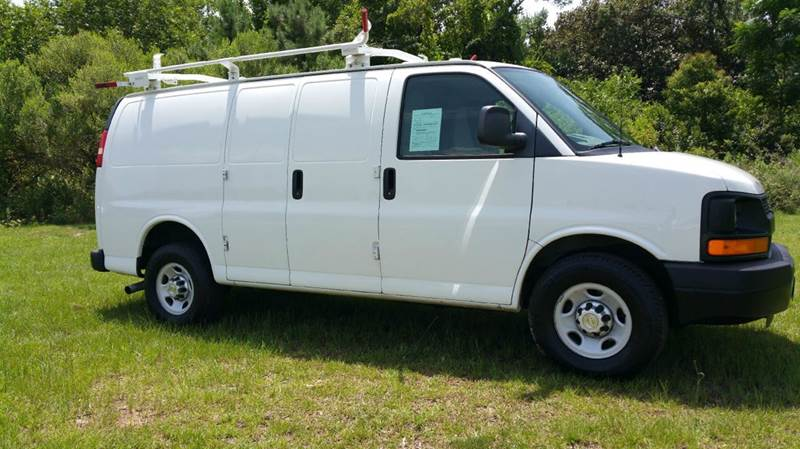2011 CHEVROLET 2500 EXPRESS CARGO 3DR CARGO VAN white if you like to be organized when you work