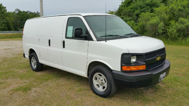 2008 CHEVROLET EXPRESS CARGO 1500 3DR FULL SIZE CARGO white one owner fleet van that has been ver