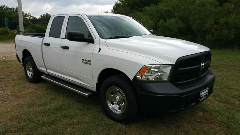 2013 RAM RAM PICKUP 1500 TRADESMAN 4X4 4DR QUAD CAB 63 F white this truck is extra sweet fleet