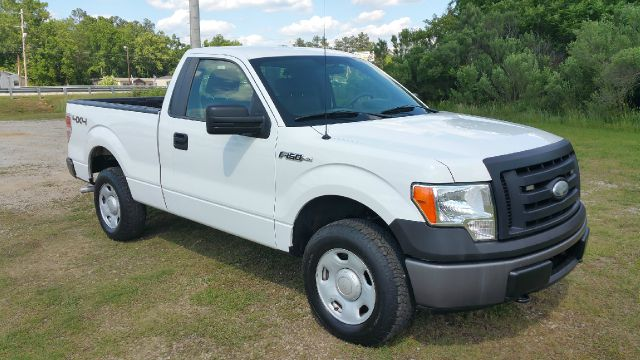 2009 FORD F-150 XL 4X4 PICKUP REGULAR CAB 2DR white regular cab 4x4 short bed this truck would