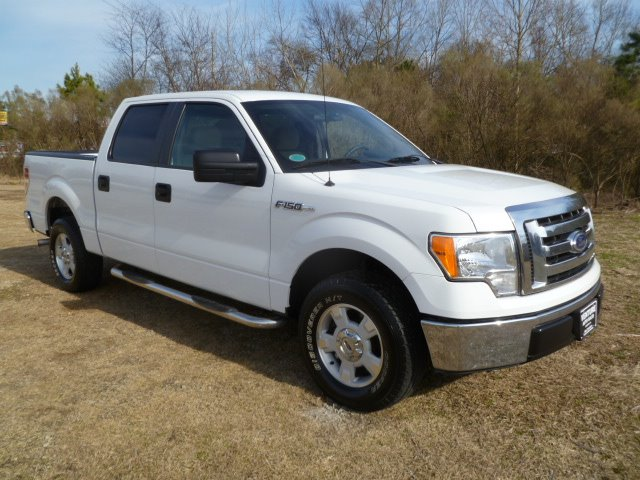 2010 FORD F150 XLT SUPERCREW 65-FT BED 2WD white this truck is an extra clean hard to find model