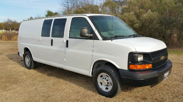 2007 CHEVROLET 3500 EXT EXPRESS CARGO EXTENDED CARGO white extended van is a rare  hard to find m
