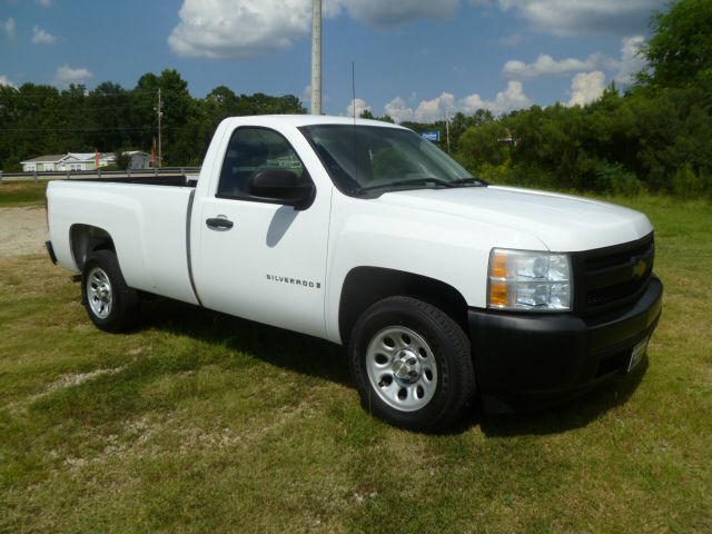 2007 CHEVROLET SILVERADO 1500 REG CAB LONG BED 2WD white regular cab with a long bed makes a perfe