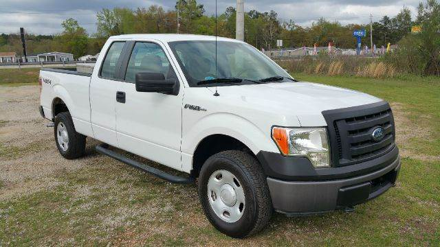 2009 FORD F-150 XL 4X4 PICKUP EXTENDED CAB 4DR white extra sharp  extra clean that is what this
