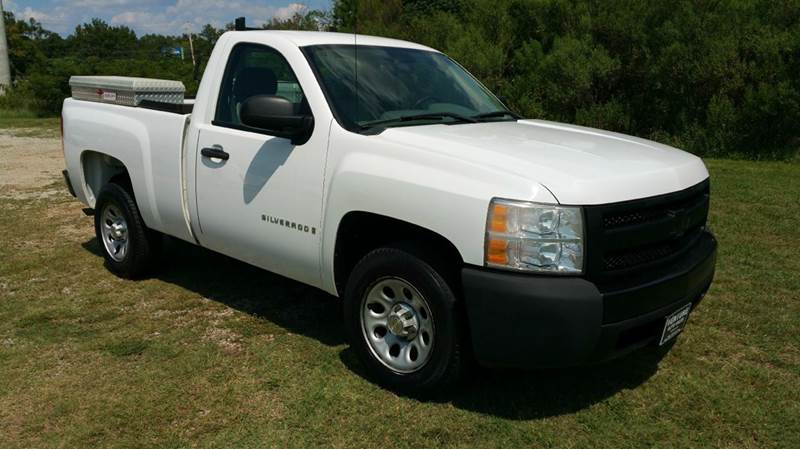 2007 CHEVROLET SILVERADO 1500 2DR REGULAR CAB 65 FT SB white if you like tool boxes you will l
