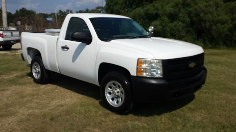 2009 CHEVROLET SILVERADO 1500 4X2 2DR REGULAR CAB 65 FT SB white regular cab short bed with a