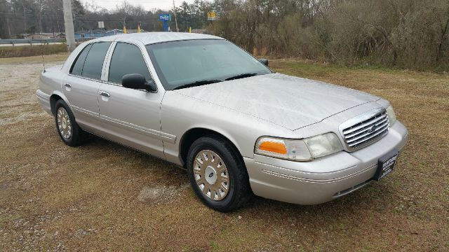 2005 FORD CROWN VICTORIA POLICE INTERCEPTOR 4DR SEDAN silver fleet preowned  very well maintained
