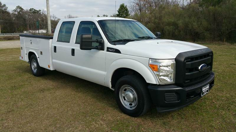 2011 FORD F-250 SUPER DUTY XL 4X2 4DR CREW CAB 8 FT LB PIC white knapheide service body with fli