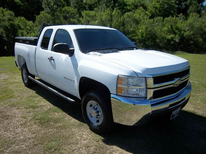 2009 CHEVROLET SILVERADO 2500HD 4X2 4DR EXTENDED CAB SB white this is a really nice chevy 2500 h
