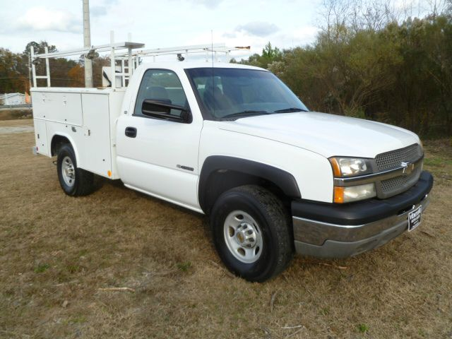 2003 CHEVROLET SILVERADO 2500 SERVICE TRUCK 2WD REG CAB white reading service body that can hold a