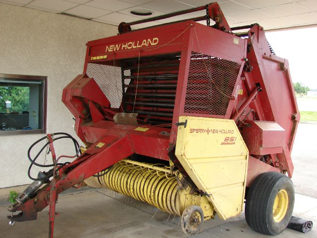 1979 New Holland 851 Auto Wrap