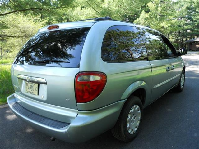 2003 Chrysler Town and Country LX FWD - Wadsworth IL