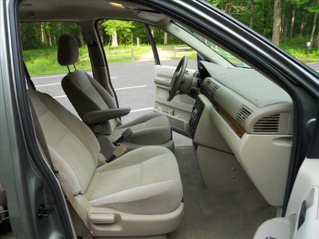2004 Ford Freestar SEL - Wadsworth IL